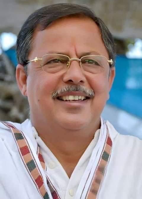 इस वक्त की बड़ी खबर पूर्व नेता प्रतिपक्ष अजय सिंह राहुल के बंगले सी-19 पर जुटे गरीब 24 विधायक