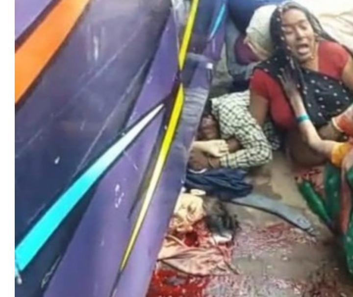 नशे में धुत चालक ने एक मासूम की ली जान ग्रामीणों ने किया  रोड जाम