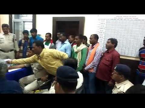 बरगवां थाना प्रभारी ने क्षेत्र के गुंडा निगरानी , बदमाशों की ली क्लास  का देखें लाइव वीडियो