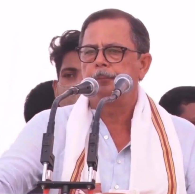 किसान विरोधी क़ानूनों का असर प्रदेश में दिखने लगा  समर्थन मूल्य से आधी कीमत में भी नहीं बिका मक्का  हजारों किसान हलाकान  – अजयसिंह